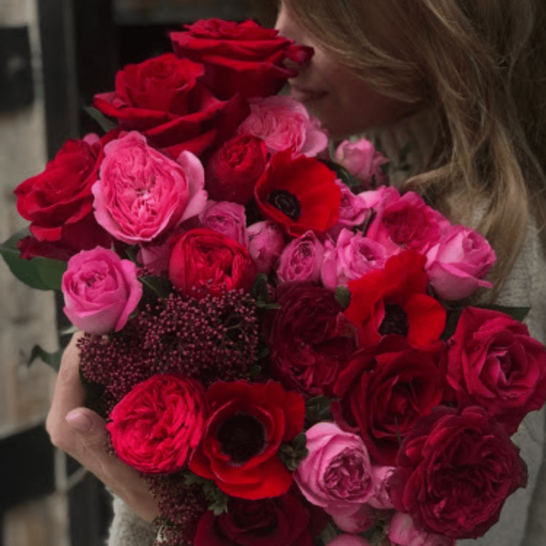 The Meaning Symbolism And History Of Red Roses Fresh Flowers